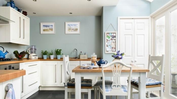 wandgestaltung küche hellblaue wände und weiße möbel