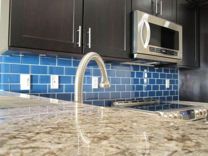 wandgestaltung küche wandfliesen blau küchenrückwand