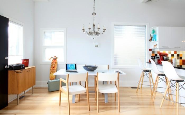 wohnideen küche weiße küchenwände mit farbiger küchenrückwand