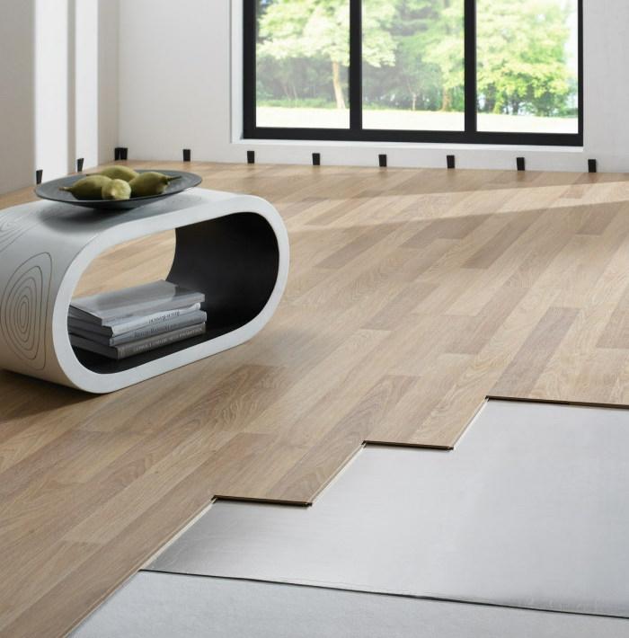 wohnzimmer bodenbelag laminatboden verlegen mit trittschall dämmung