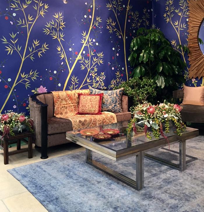 wohnzimmer tapeten ideen blau florale elemente