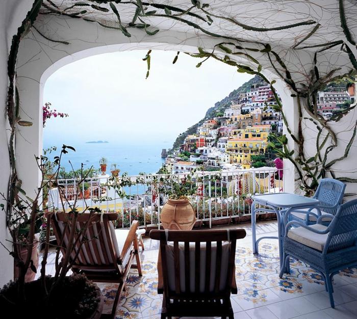 zimmer dekorieren ausblick meer amalfi küste italien