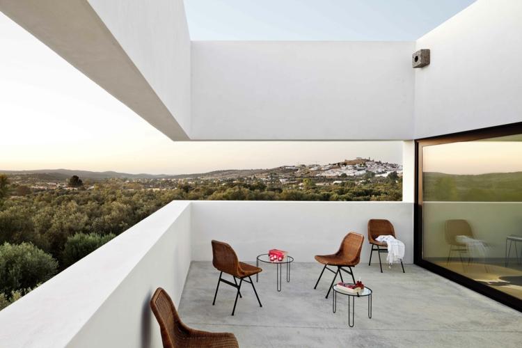 Balkon schön gestalten Balkonidee Designer Balkonmöbel Stühle
