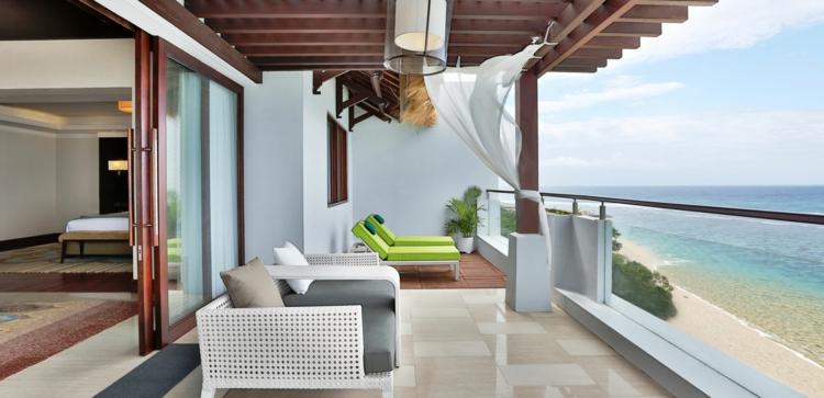 Balkon schön gestalten Balkonideen Sommerhaus mit Meerblick