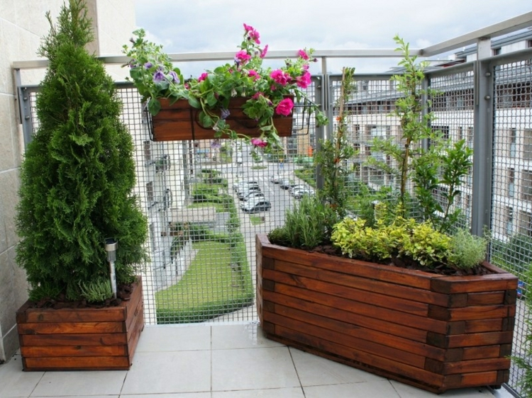 Balkon schön gestalten Balkonideen mit Balkonpflanzen