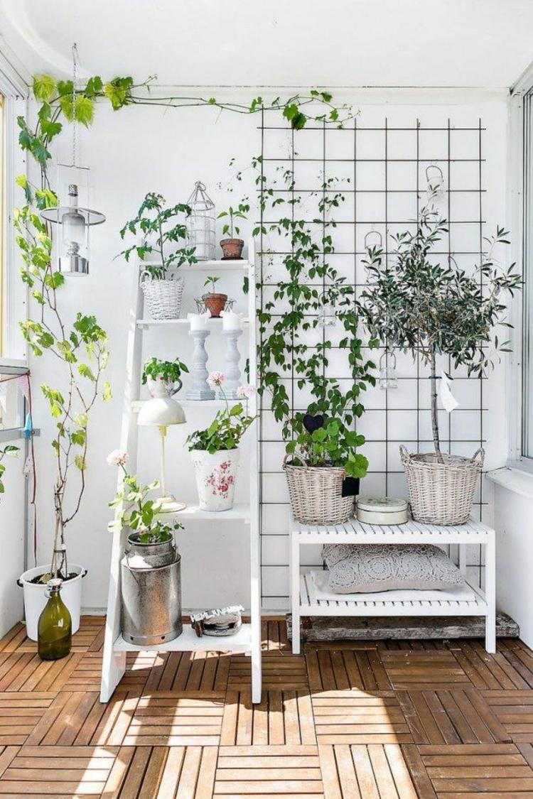 Balkonideen Balkon schön gestalten platzsparende balkonmöbel und grünpflanzen