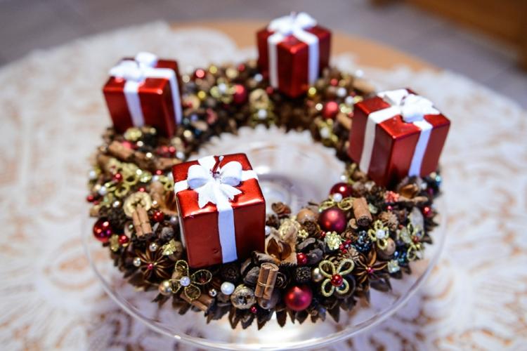 DIY Adventskranz Ideen schöne Tischdeko Weihnachten