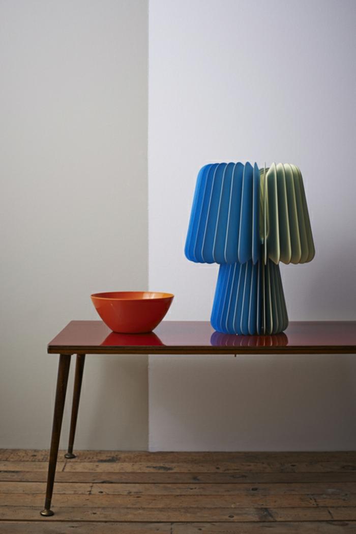 Designerleuchten blau gruen verlauf mit roter schale