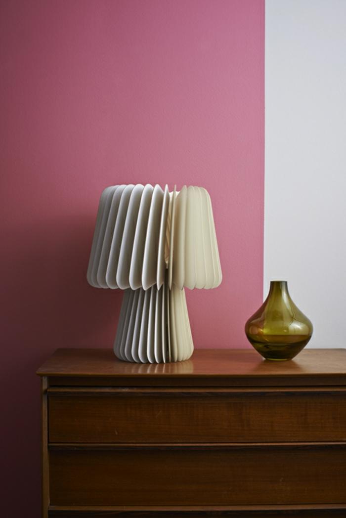 Designerleuchten grau weiss rosa wand