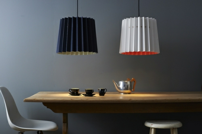 Designerleuchten lampenshirm indigo baby blau haengend tee