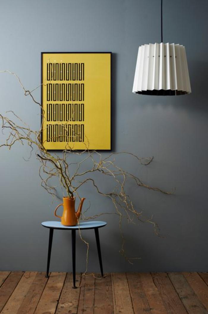 designleuchten schwarz weiss gelbes poster
