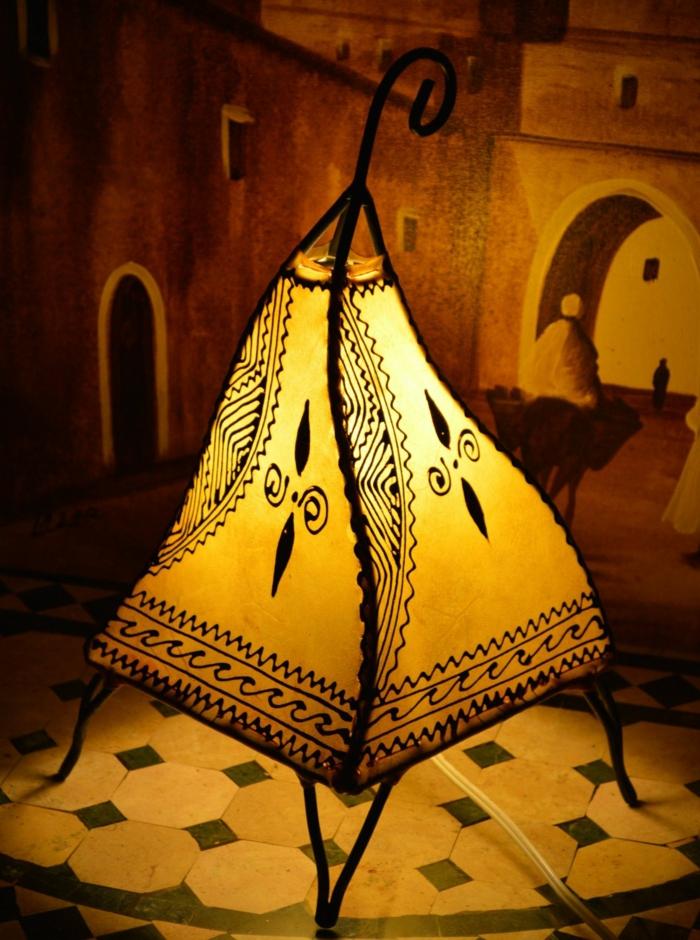 Orientalische Lampen gelb