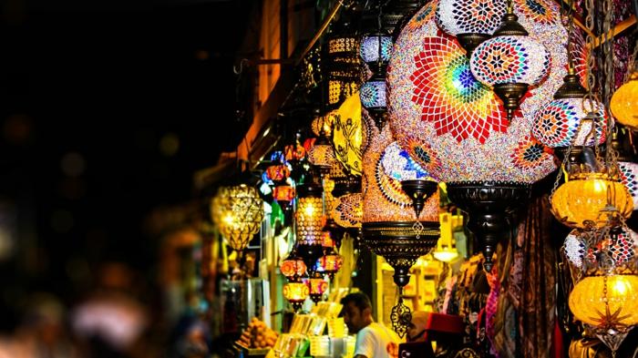 Orient alische Lam pen warme bunt nachts