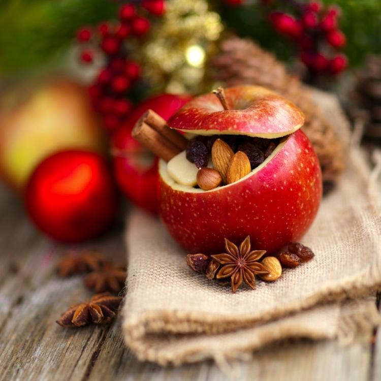 Weihnachtliche Gewürze Nelken Gewürz Zimt Wirkung