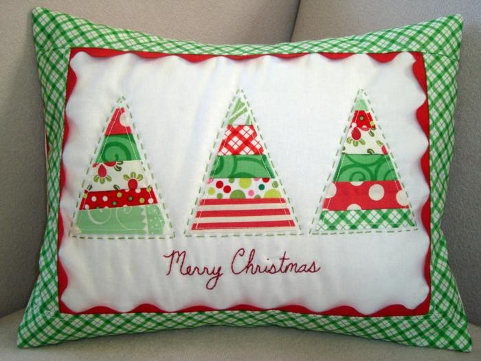 Weihnachtsgeschenke basteln DIY Projekte Sofa Kissen Ideen