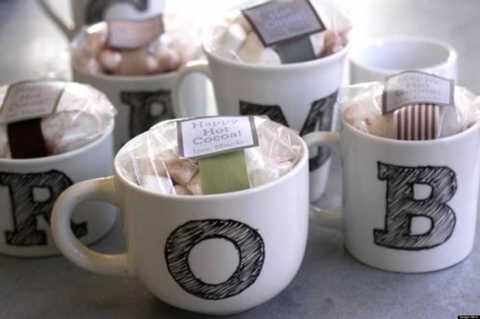 Weihnachtsgeschenke basteln Porzellan bemalen Tassen DIY Geschenke