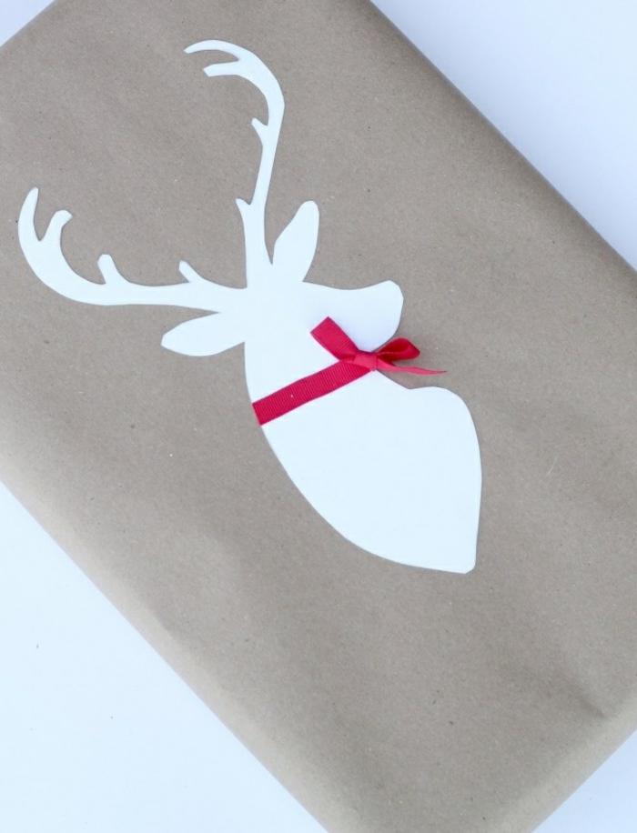 Weihnachtsgeschenke verpacken geschenk verpacken geschenke schön verpacken mit elch ausschnitt