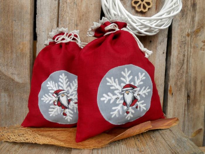 Weihnachtsgeschenke verpacken geschenk verpacken geschenke schön verpacken rote säcke nikolaus