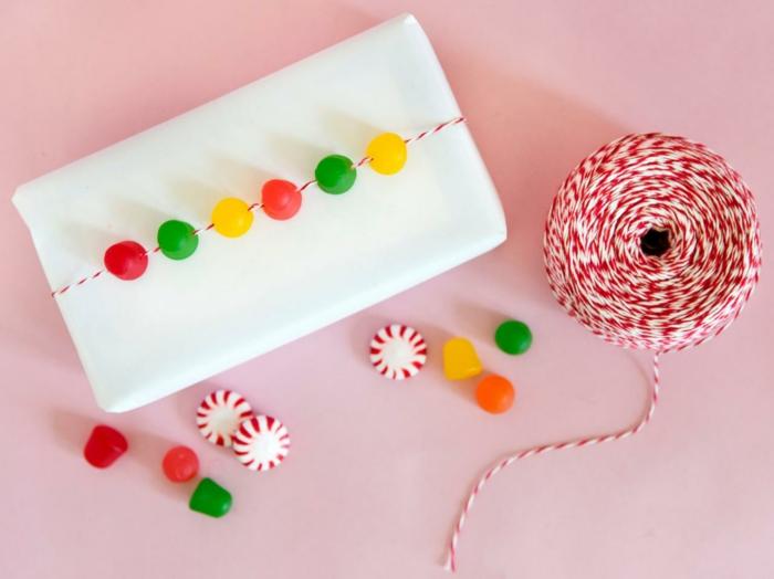 Weihnachtsgeschenke verpacken geschenk verpacken geschenke schön verpacken wein gummis