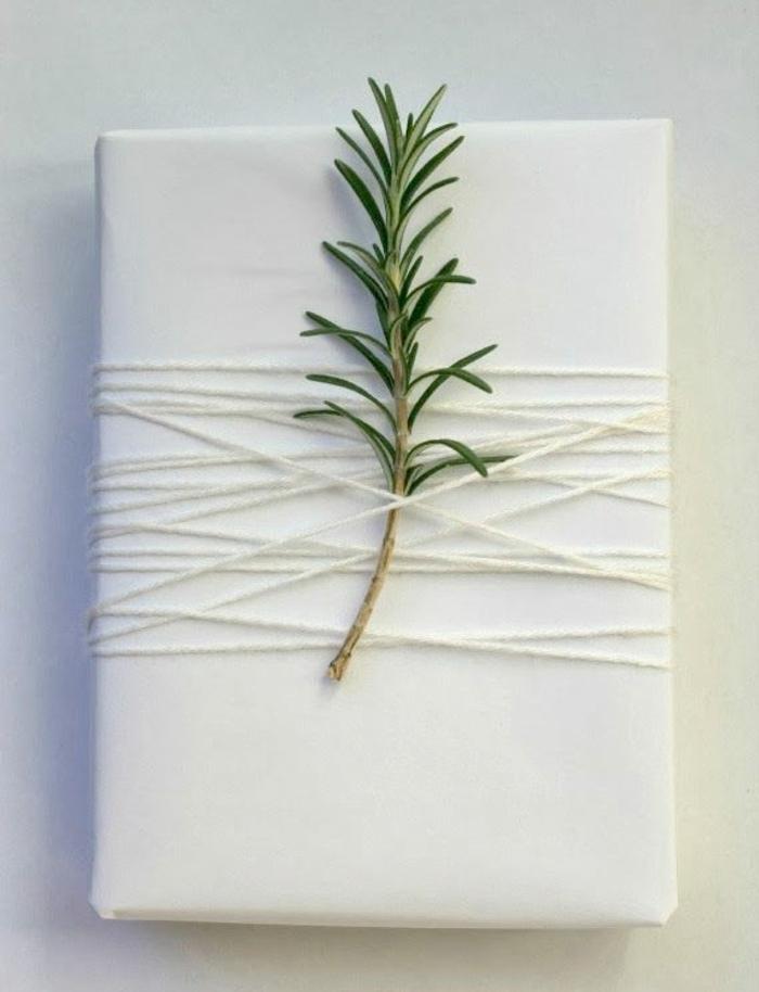 Weihnachtsgeschenke verpacken geschenk verpacken geschenke schön verpacken mit rossmarin