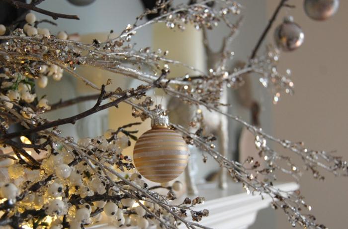kunstbaum wie  eingefroren