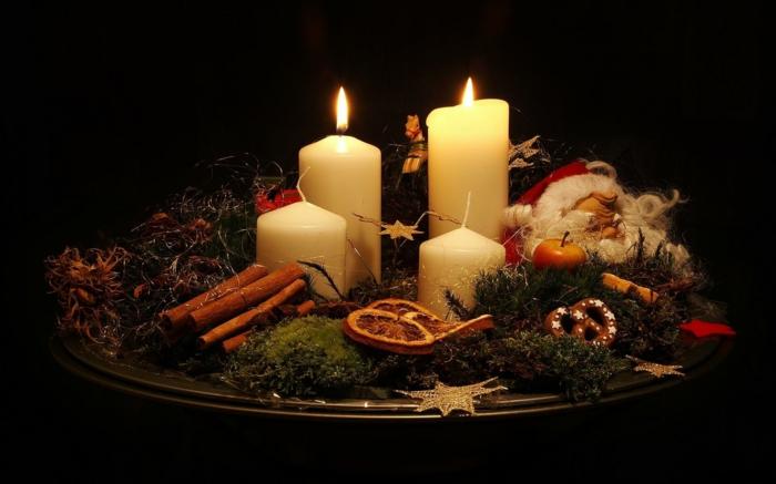 ideen adventskranz dekoideen weihnachten weiße kerzen weihnachtsplätzchen