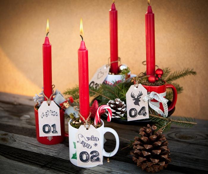 dekoideen weihnachten kerzen rot becher nummer tannenzapfen