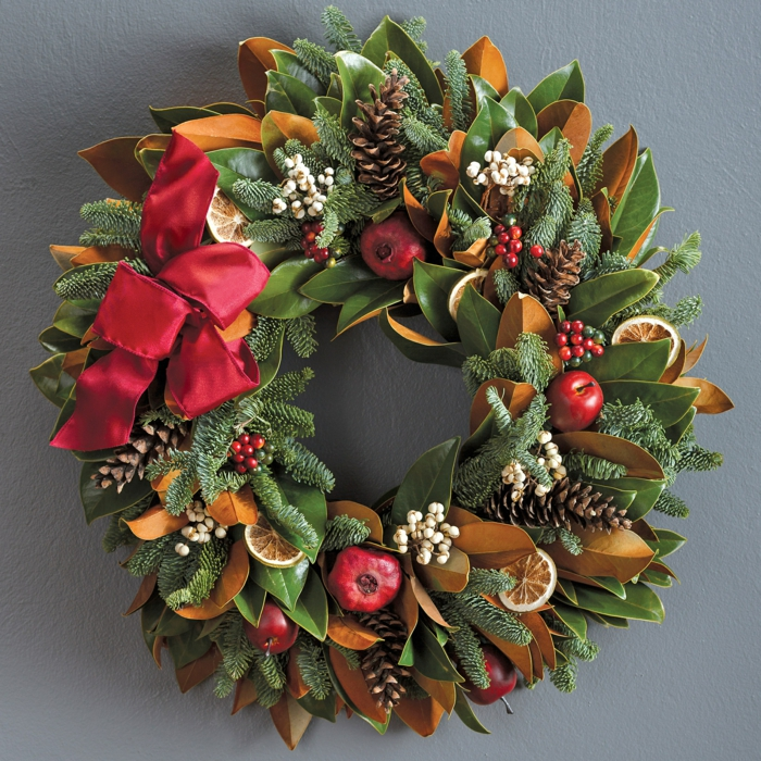 dekoideen weihnachten lohbeerblat granatapfel