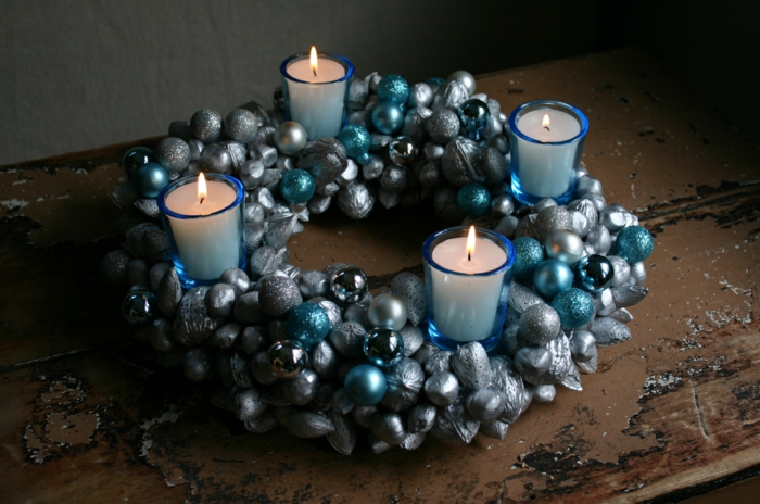ideen adventskranz kerzen kerzenhalter dekoideen weihnachten festliche tischdeko