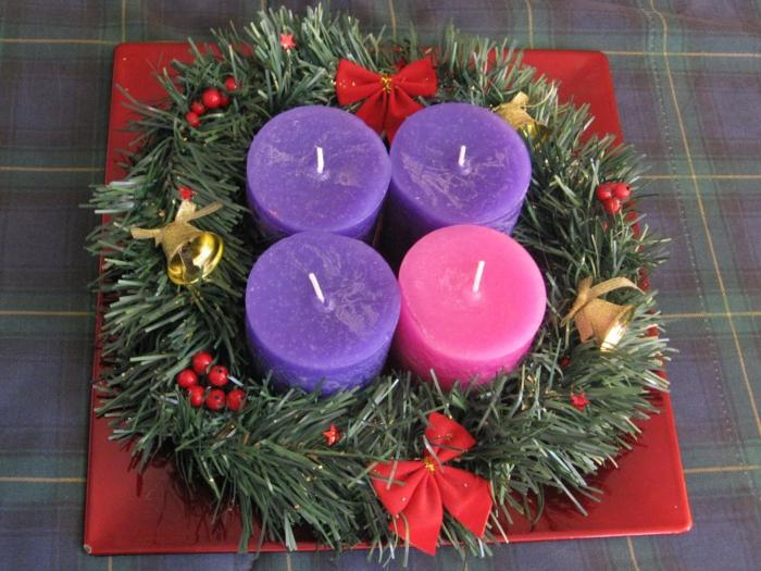 adventskranz dekorieren kerzen rosa lila deko elemente dekoideen weihnachten