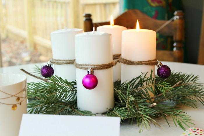 ideen adventskranz weiße kerzen weihnachtskugeln dekoideen weihnachten