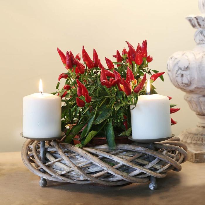 adventskranz dekorieren weihnachten weiße kerzen originell festliche stimmung