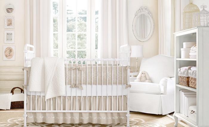babybett kaufen weißer sessel helle wandfarbe wandspiegel