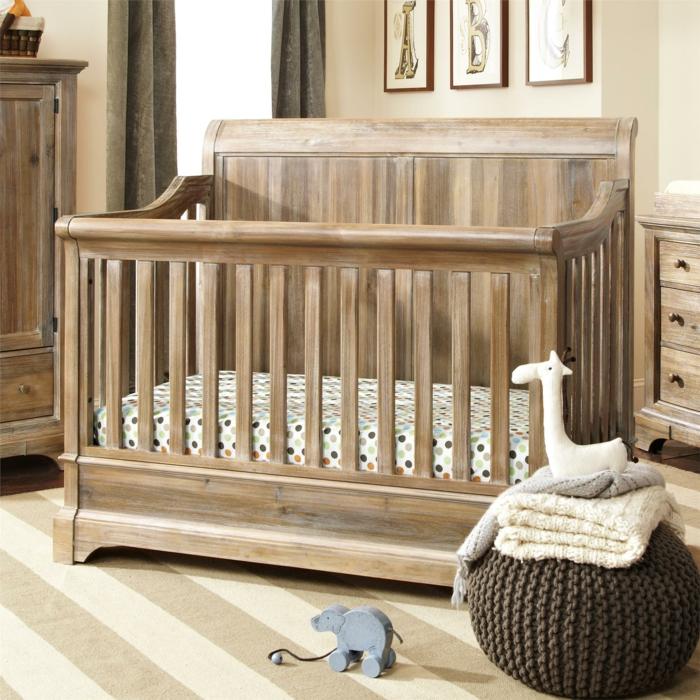 babybetten design holz bettwäsche farbige punkte streifenteppich helle wände