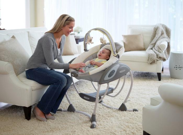 babyschaukel was sollte man bei derem kauf und derer nutzung beachten. Black Bedroom Furniture Sets. Home Design Ideas