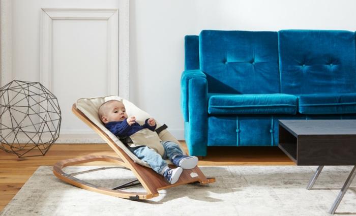 babyschaukel modernes design wohnzimmer blaues sofa wohnzimmerdeko