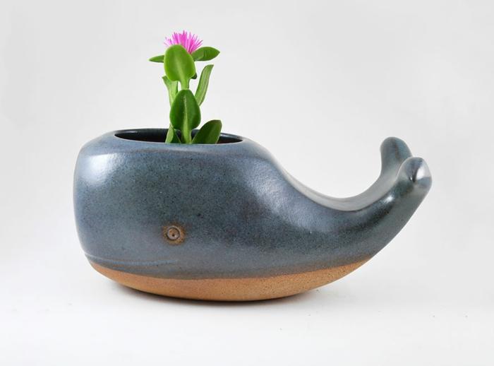 blumenkübel zimmerpflanzen keramikfigur wal übertopf