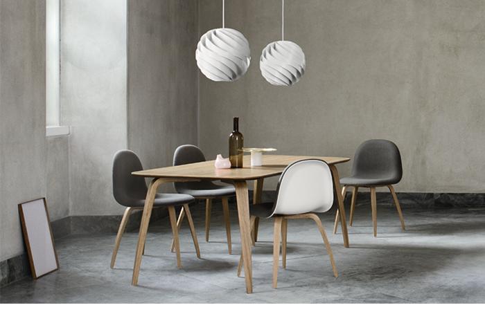 dänisches design skandinavisch einrichten esszimmer hängeleuchten stühle esstisch gubi