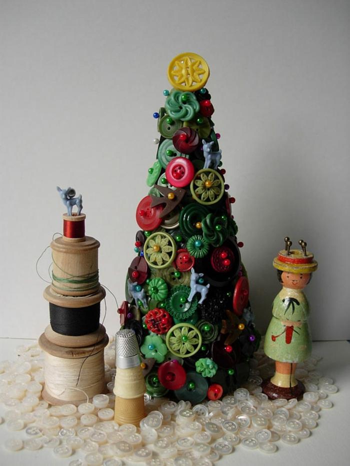 diy deko ideen weihnachten adventszeit christbaum selber basteln knöpfe