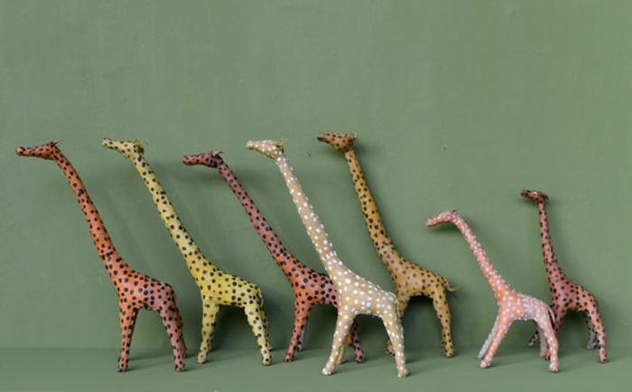 einrichtung kinderzimmer Agnès Emery giraffen grüne wandgestaltung