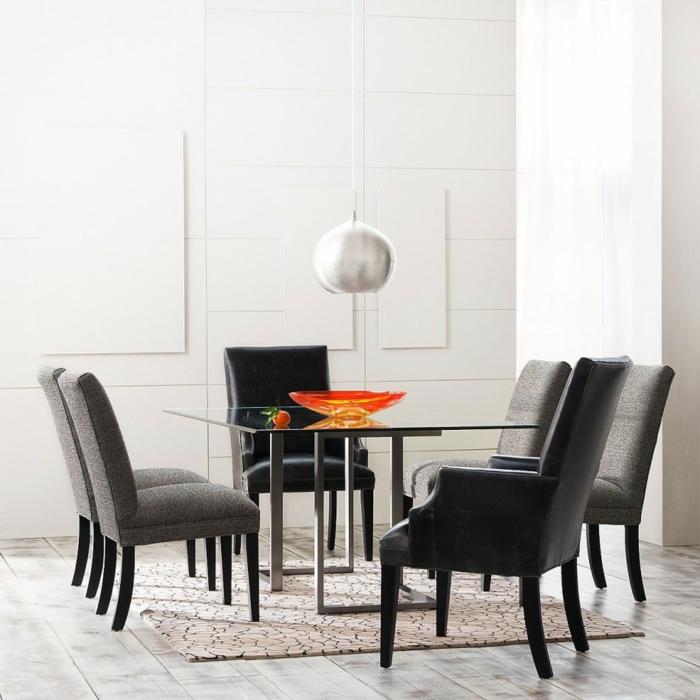 esszimmer einrichten glastisch elegante stühle helle wandfarbe