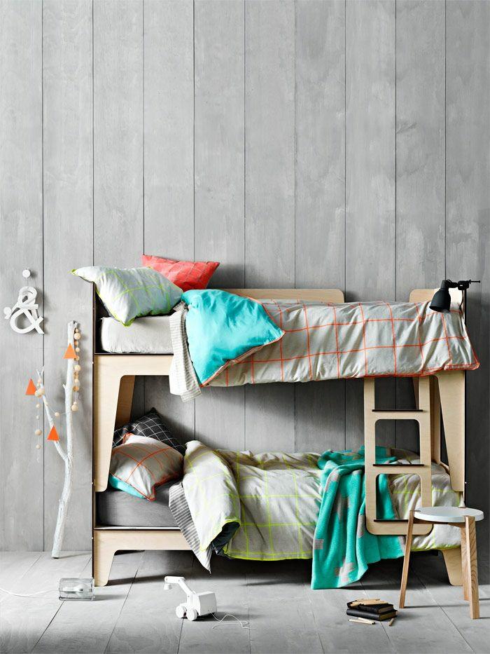 etagenbetten kinderzimmer gestalten holzboden schöne berrwäsche