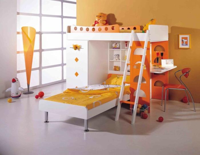 etagenbetten kinderzimmer gestalten orange gelb weiße wände heller boden ausgefallene stehlampe