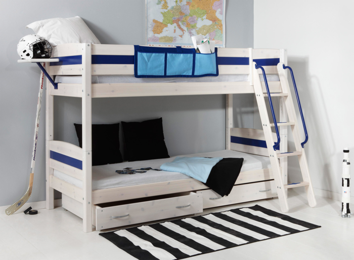 etagenbetten wohnideen kinderzimmer streifenteppich weiß schwarz