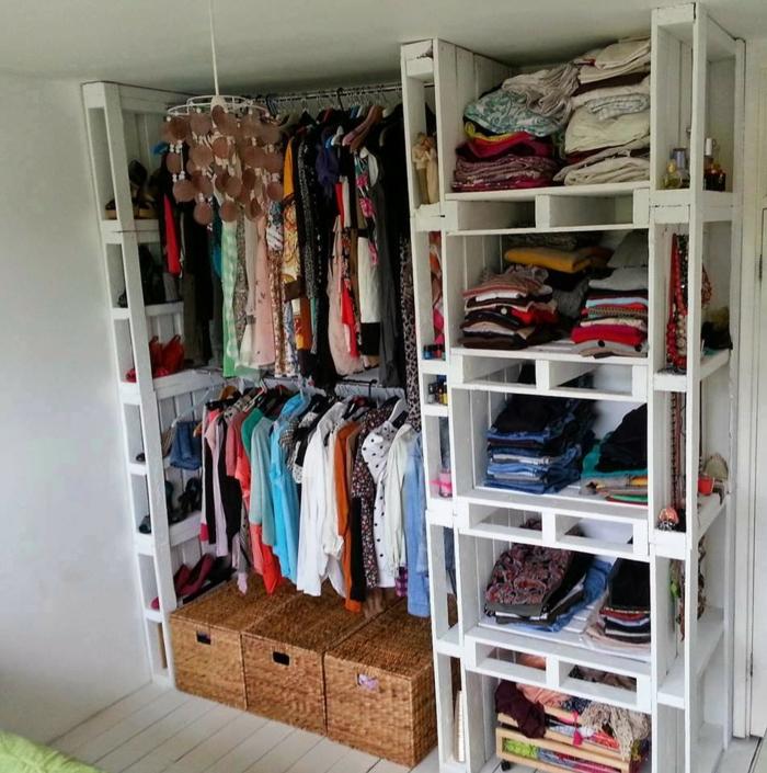 europalette holz paletten garderobe kleiderschrank