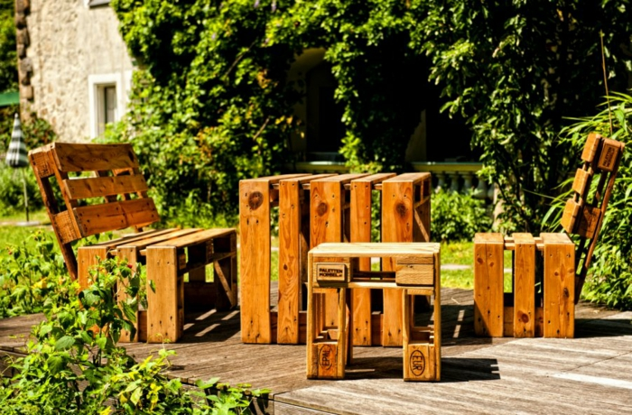 europaletten holz paletten diy möbel gartenmöbel selber bauen tisch stühle