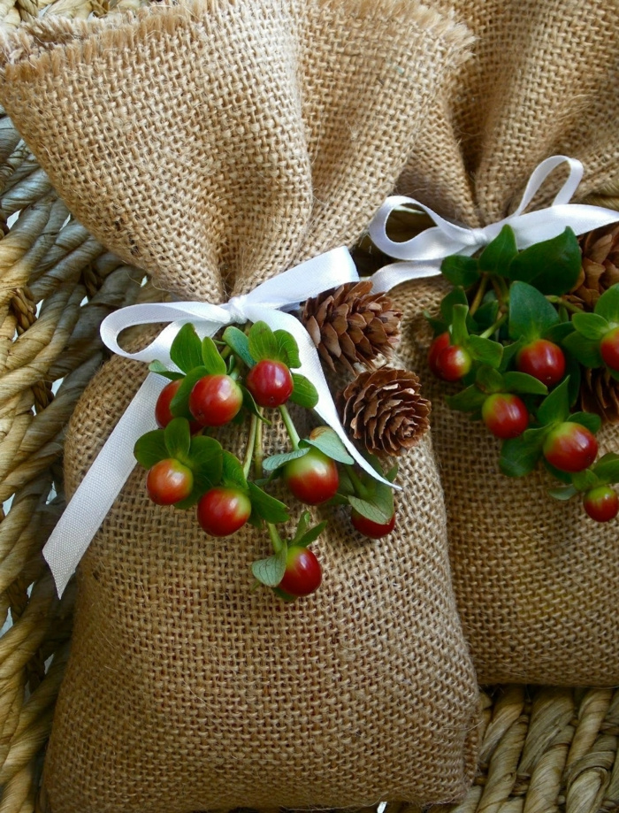 geschenke verpacken geschenk verpacken geschenke schön verpacken geschenk biene braun gruen jutesack
