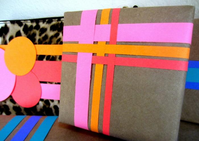 geschenke verpacken geschenk verpacken geschenke schön verpacken geschenk biene braun gruen rosa