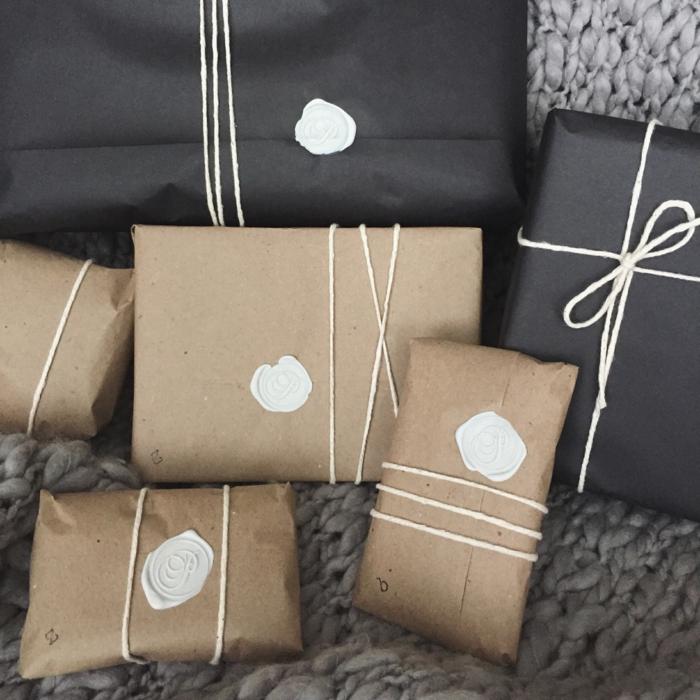 geschenke verpacken geschenk verpacken geschenke schön verpacken zum selbst gestalten wax stempel