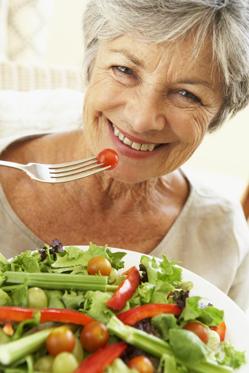 gesundes Leben Frauen gesunde Ernährung frischer Salat